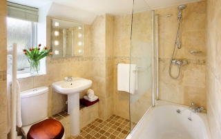 Aylesbury Cottage Bathroom