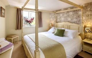 Aylesbury Cottage Master Bedroom