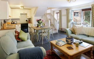 Aylesbury Cottage Downstairs