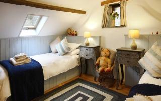 Old Barn Twin Bedroom
