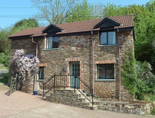 Peacock Cottage (Sleeps 4 & Cot)